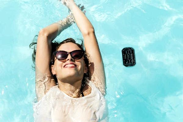 Philips SHOQBOX mini na água
