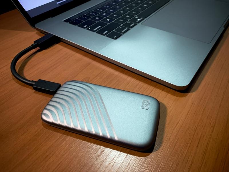 Em uso no MacBook Pro mas também funciona em PCs